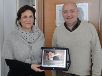 Dirigente Rosa Cirillo dell'istituto San Paolo Sorrento con il prof.Enzo Petangelo